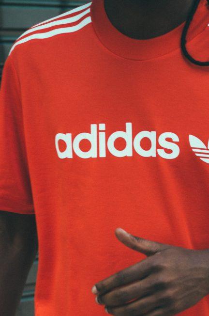 Komfortowe ubrania Adidas.