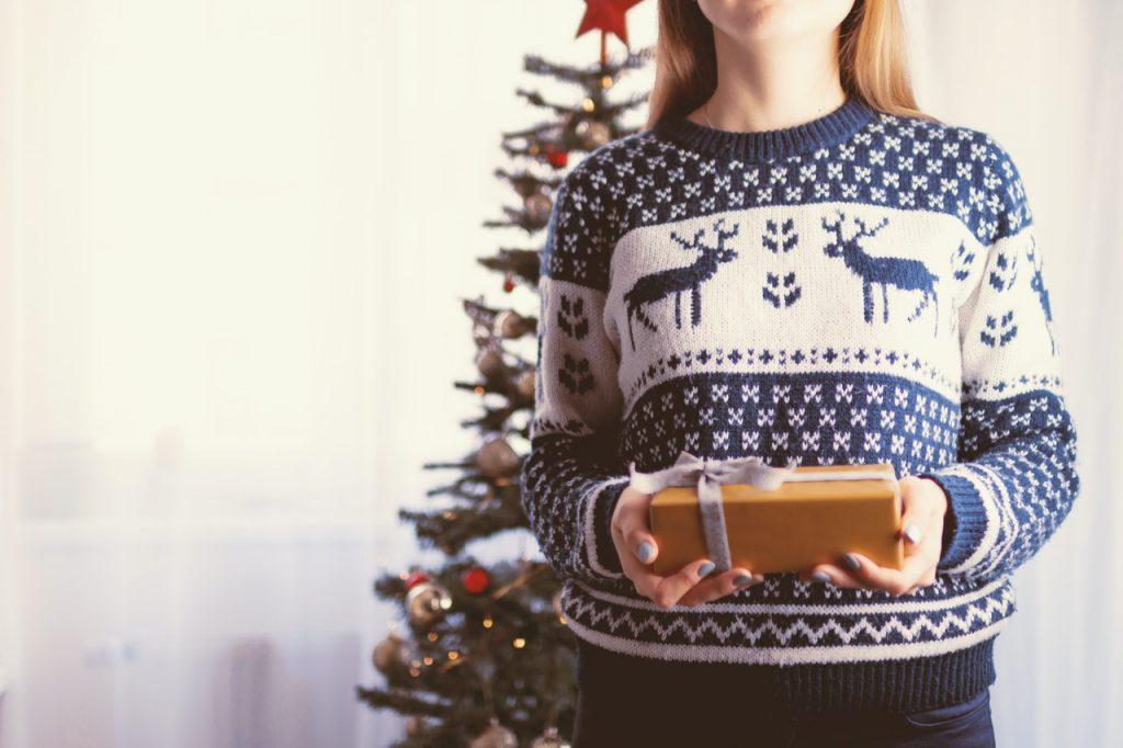 bluza santa's coming - pomysł na prezent