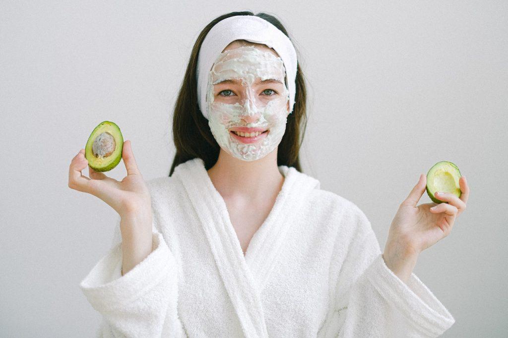 zabiegi kosmetyczne na twarz w ciąży - jak wybrać?
