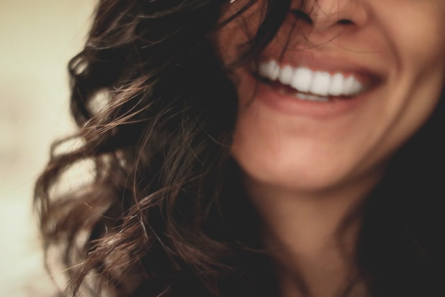 Jak działa wcierka na porost włosów i w jaki sposób ją stosować? Sprawdź!