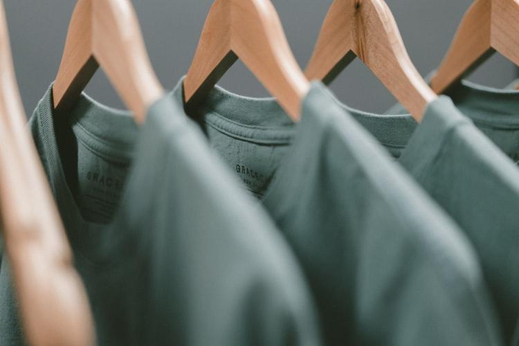 szczotka do czyszczenia ubrań